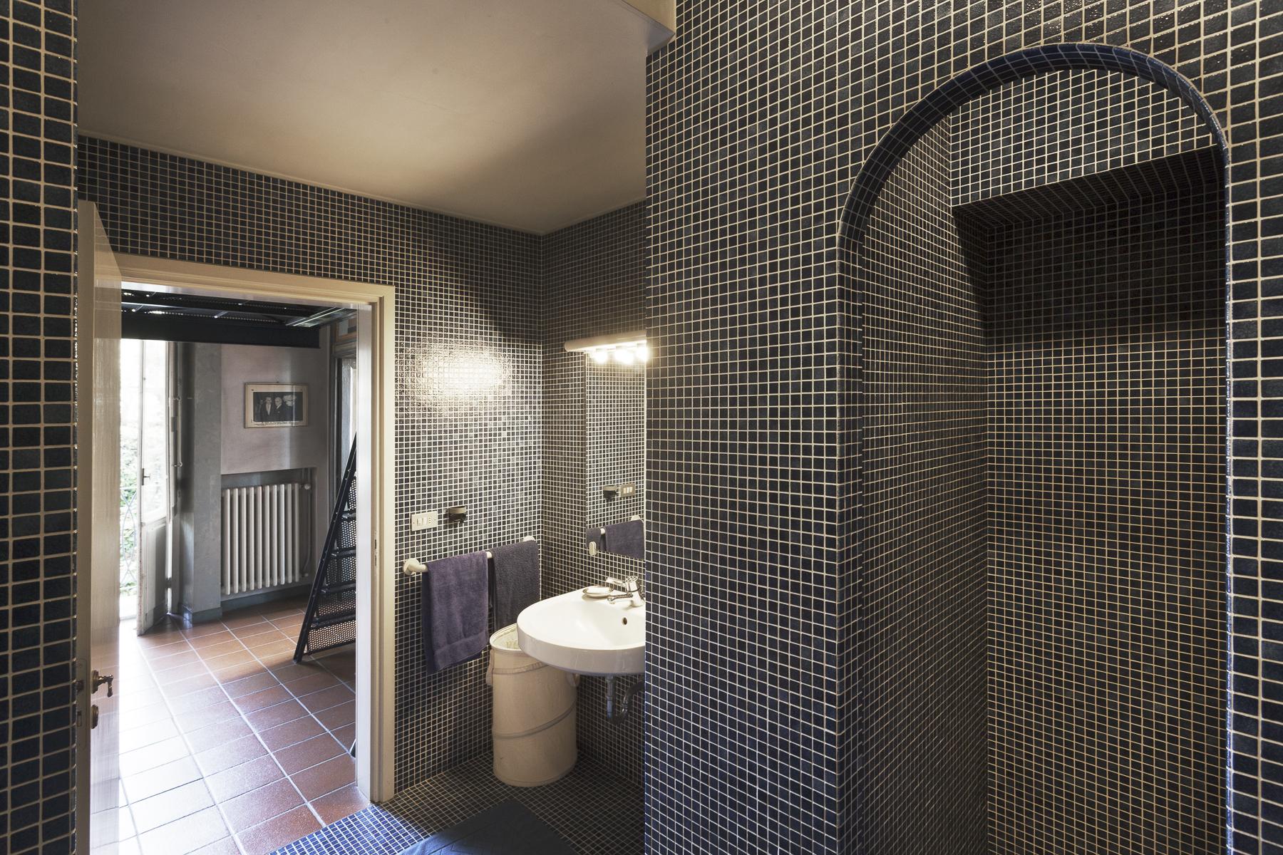 Additional photo for property listing at A fascinating XVII century Villa in Revigliasco Hill Strada Moncalieri Revigliasco, Turin 10024 Italien