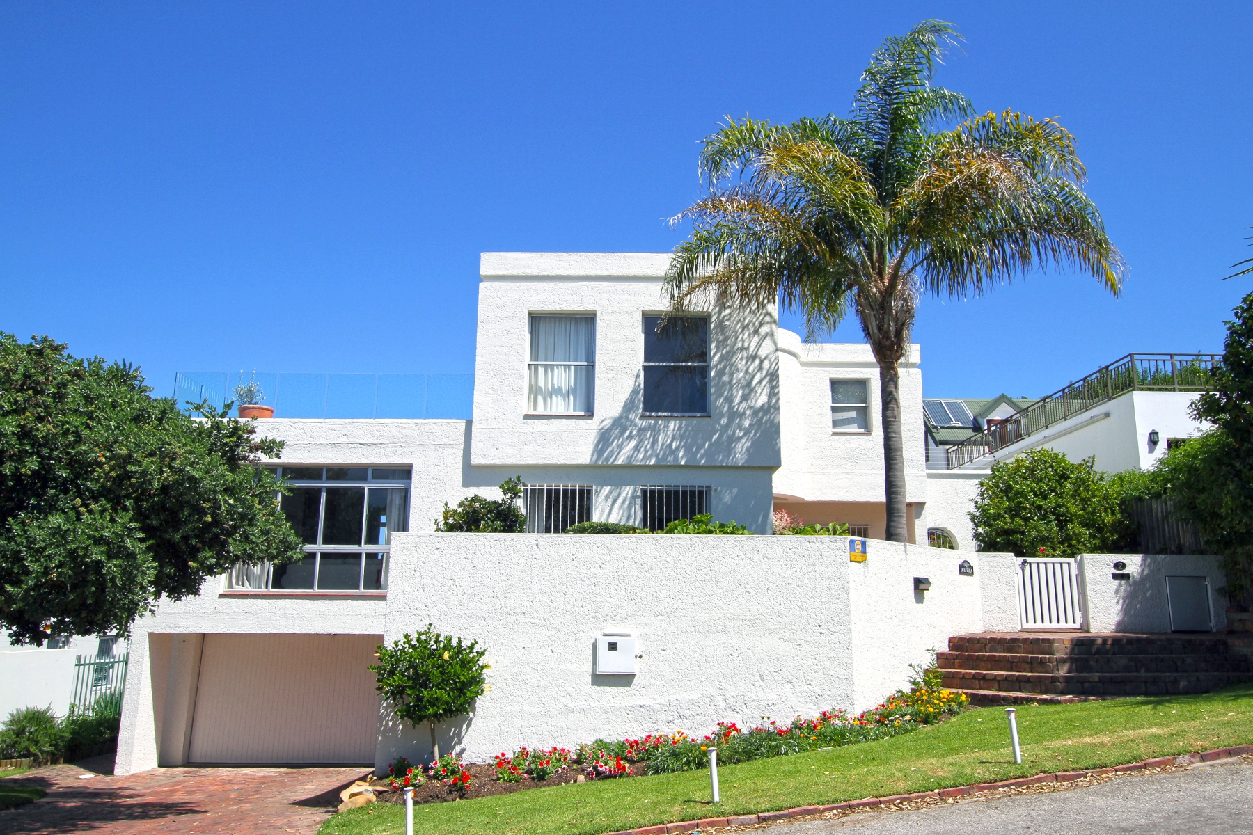 sales property at Que Sera in Old Plett!
