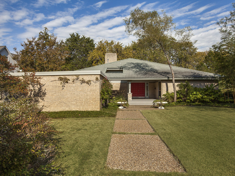 Casa Unifamiliar por un Venta en An Oasis Retreat in the Heart of Lakewood 6539 Blanch Circle Dallas, Texas 75214 Estados Unidos