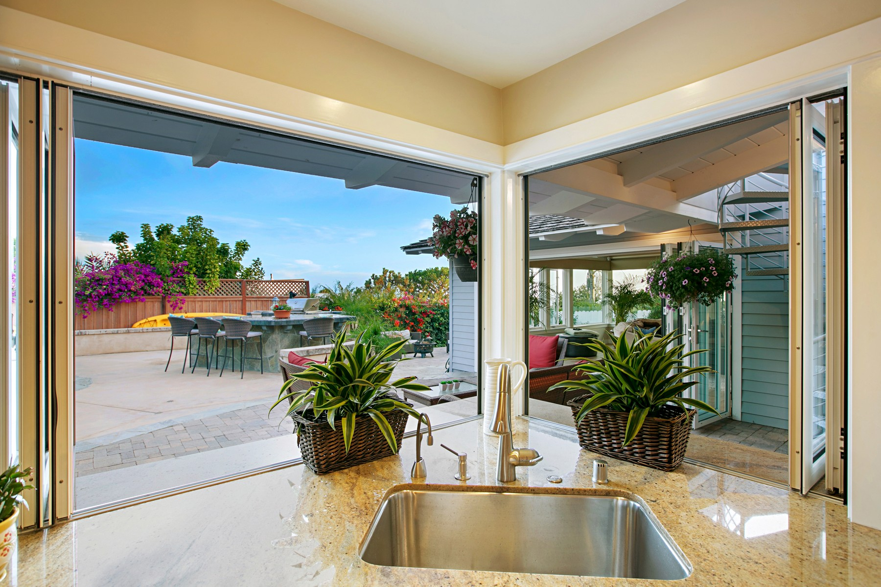 Additional photo for property listing at 1035 Newkirk Drive  La Jolla, California 92037 United States