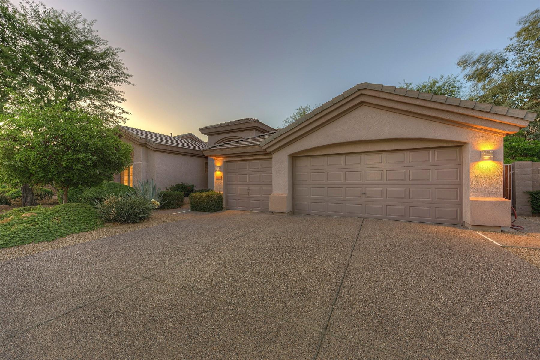 Tek Ailelik Ev için Satış at Immaculate well cared for home, located in the popular area of Kierland 6430 E Everett Dr Scottsdale, Arizona 85254 Amerika Birleşik Devletleri