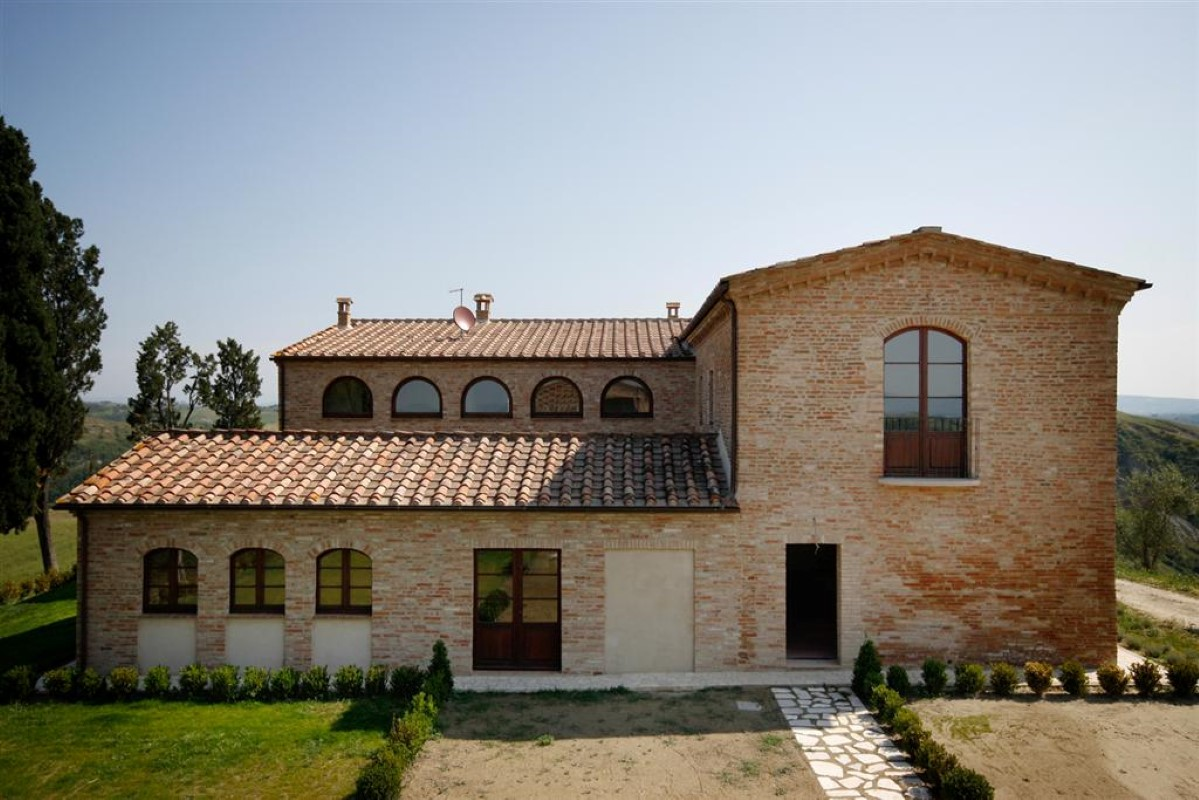 Additional photo for property listing at Unique family home with breath taking views of the Crete Senesi Asciano Asciano, Siena 53100 Italien