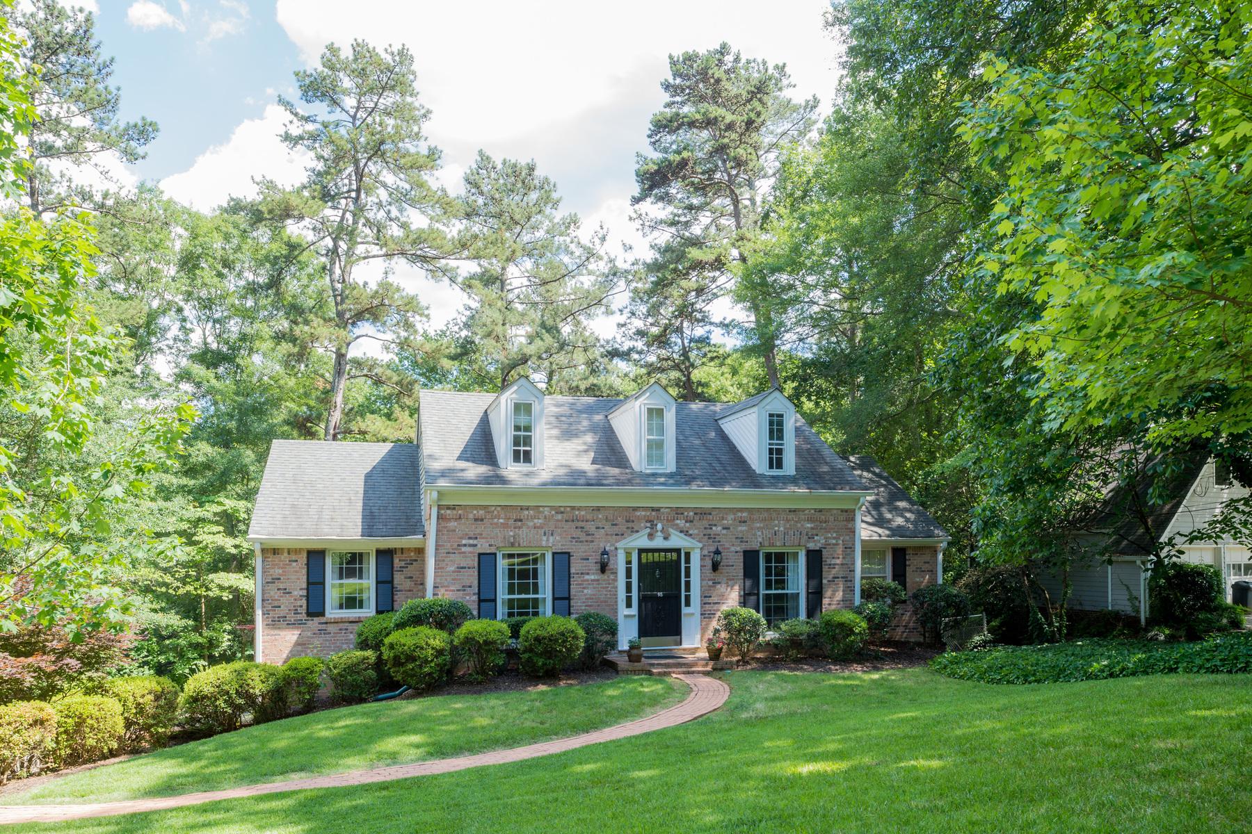 Maison unifamiliale pour l Vente à Stunning Remodel in Heart of Sandy Springs 95 Brandon Ridge Drive Sandy Springs, Atlanta, Georgia, 30328 États-Unis