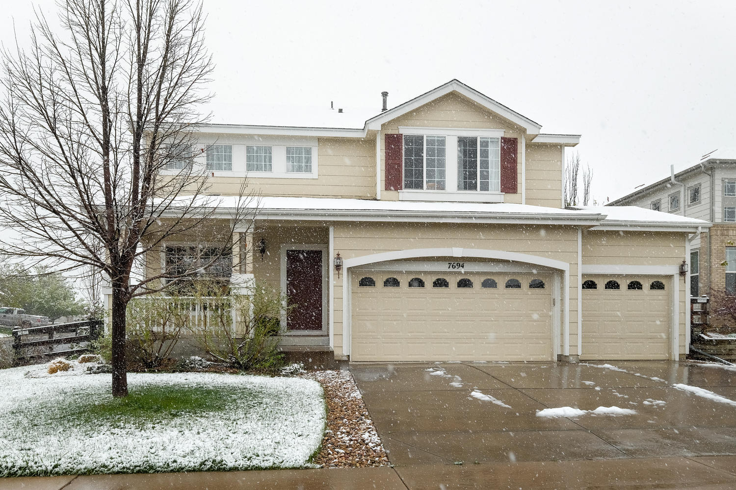 Single Family Home for Sale at 7694 Crystal Lake Ct Littleton, Colorado, 80125 United States