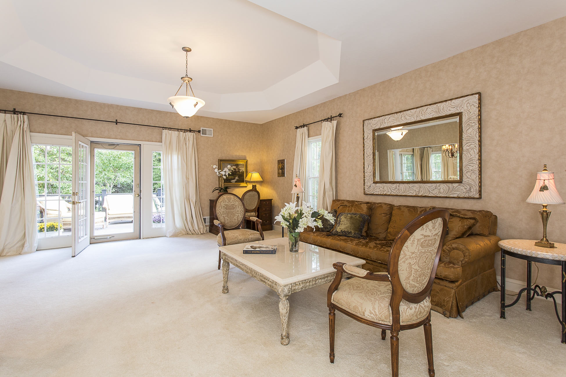 Additional photo for property listing at Easy, Luxurious Living in Princeton Windrows - Plainsboro Township 8 Azalea Court Princeton, New Jersey 08540 United States