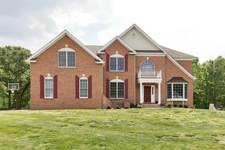 獨棟家庭住宅 為 出售 在 Desirable Steeplechase Neighborhood 10 MacKenzie Court Freehold, 新澤西州, 07728 美國