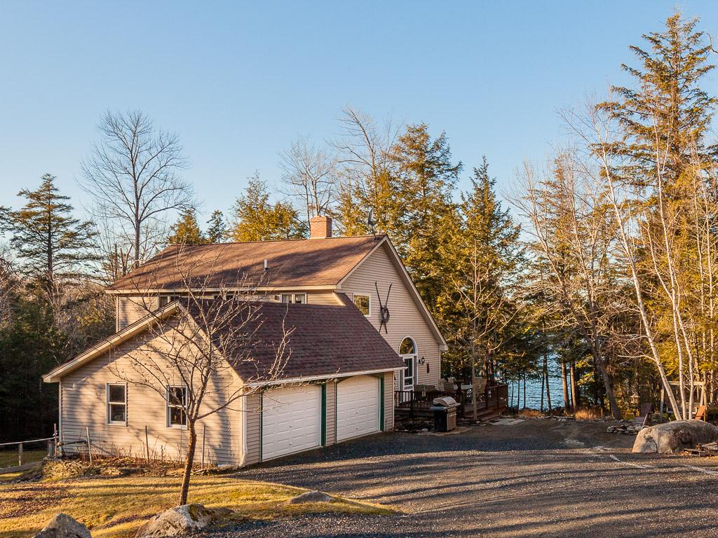 Maison unifamiliale pour l Vente à Dolloff Woods 83 Dolloff Woods Road Fayette, Maine 04349 États-Unis