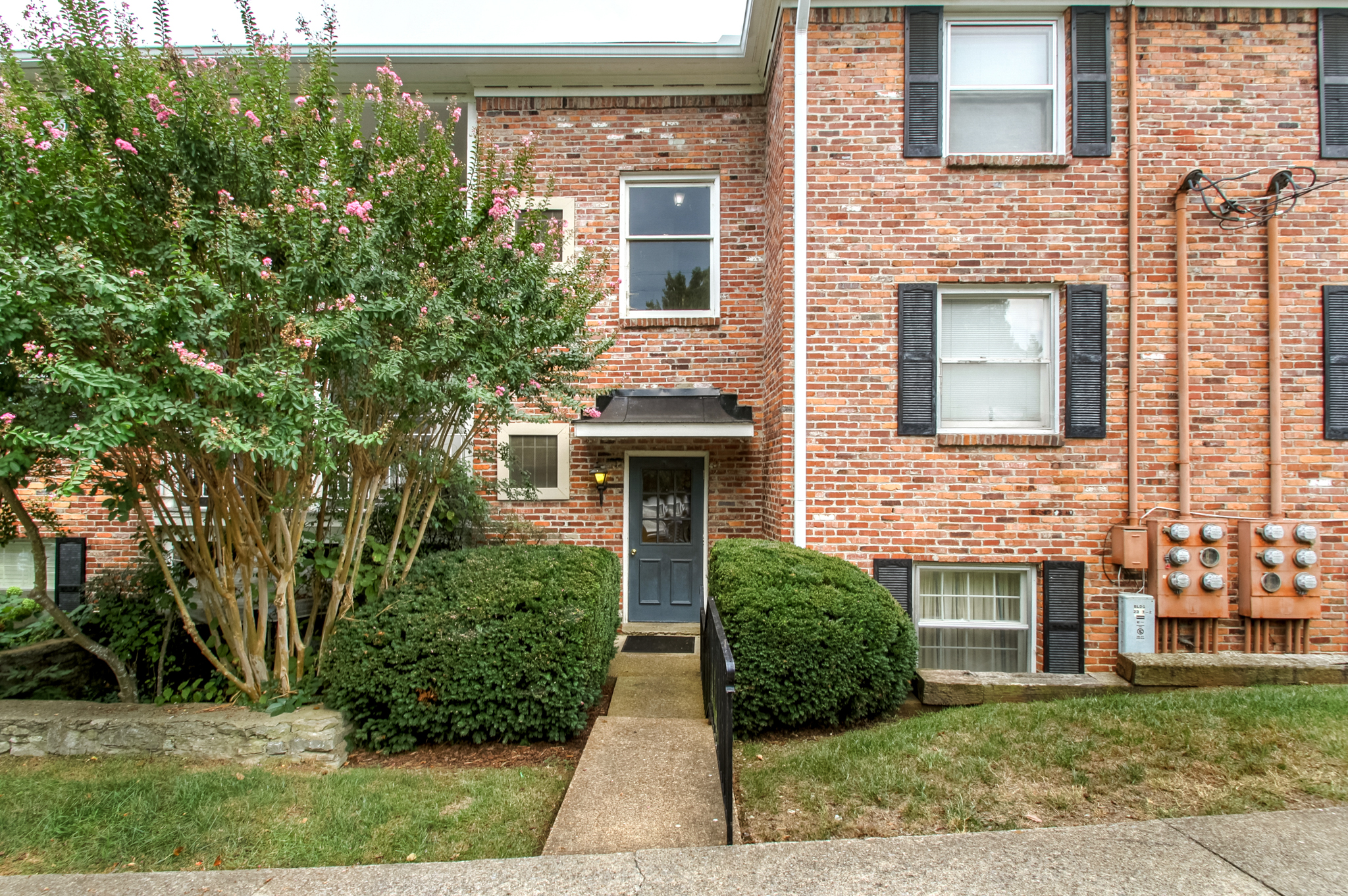 Single Family Home for Sale at Fantastic Condo in Highly Sought After Location 5025 Hillsboro Pike Nashville, Tennessee, 37215 United States