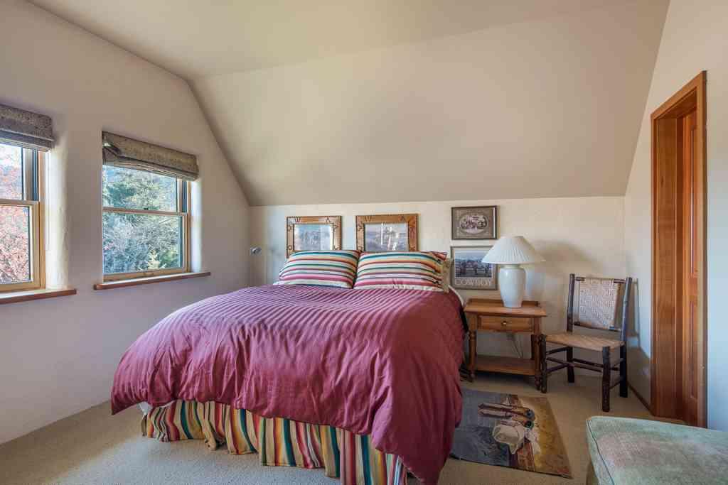 Additional photo for property listing at A True Warm Springs Gem 124 River Run Drive Ketchum, Idaho 83340 États-Unis