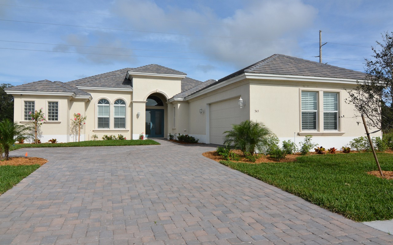 独户住宅 为 销售 在 Personalize this To Be Built Home! 4520 Black Bear Ct 维罗海滩, 佛罗里达州, 32967 美国