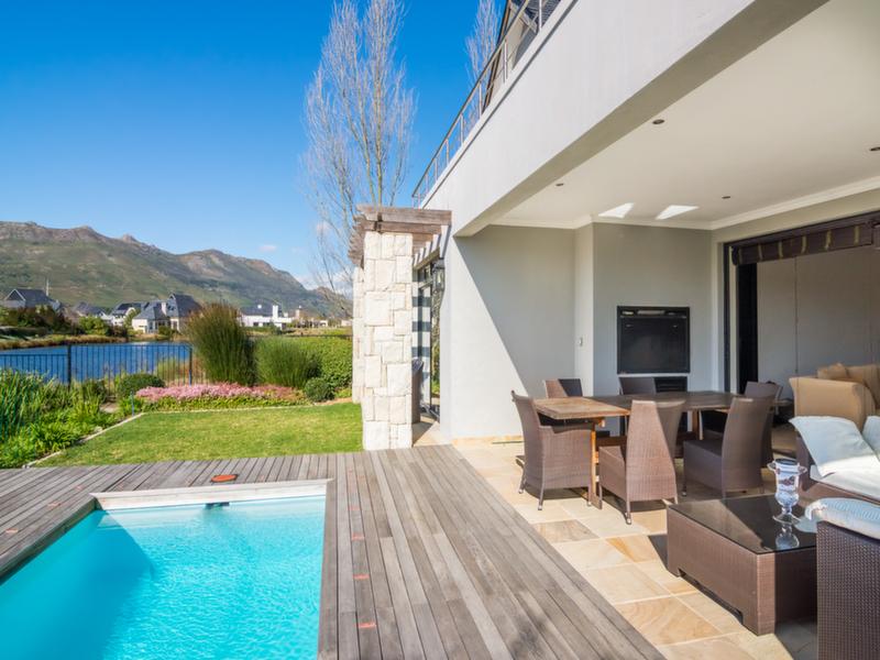 Villa per Vendita alle ore Riverside Charm in Pearl Valley Golf & Country Estate Paarl, Capo Occidentale 7646 Sudafrica