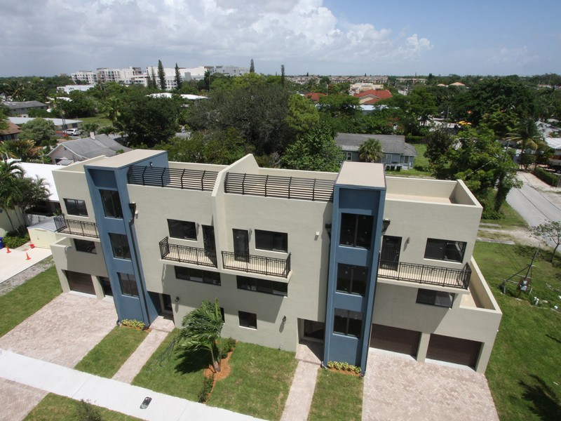 Townhouse for Sale at 1733 NE 8 St. Unit A Fort Lauderdale, Florida 33304 United States