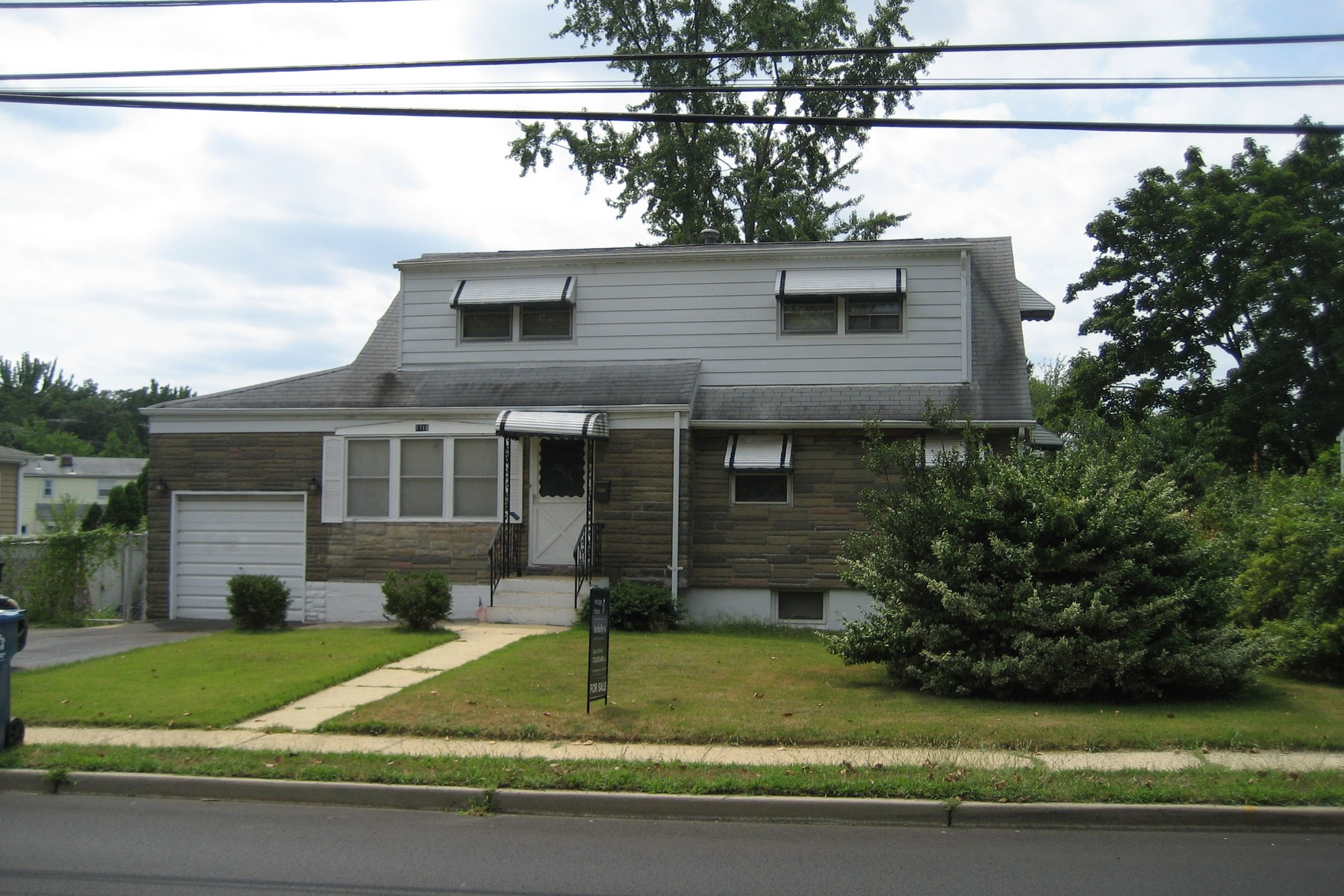 Single Family Home for Sale at Nice Mother/Daughter 1710 Union Ave. Hazlet, New Jersey 07730 United States
