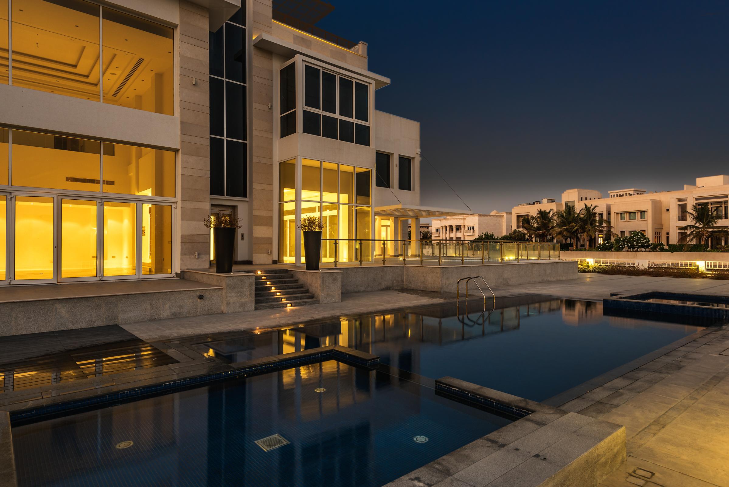 独户住宅 为 销售 在 Exquisite Emirates Hills Villa Emirates Hills, 迪拜, 阿联酋