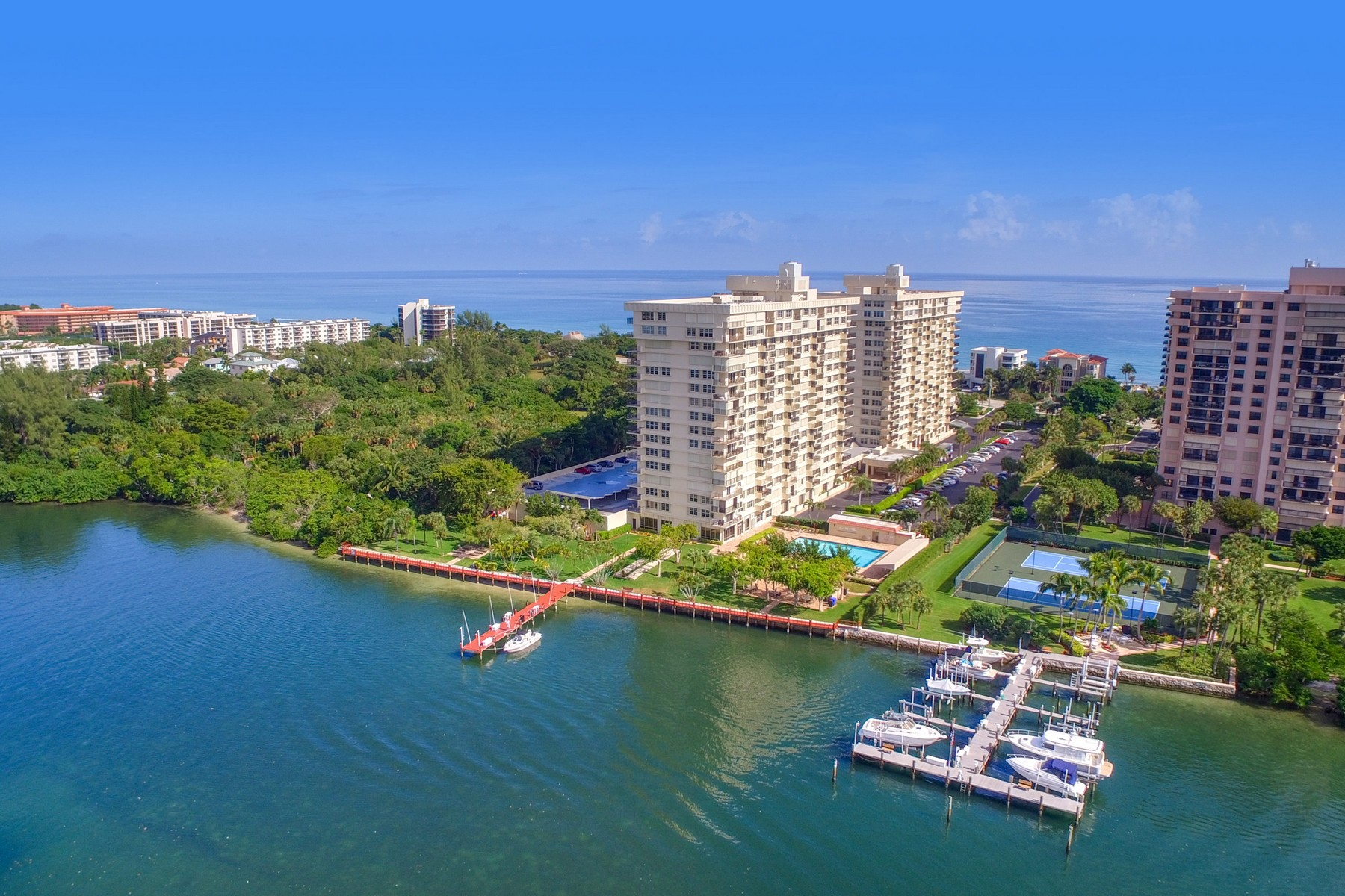 Condomínio para Venda às 2121 N Ocean Blvd , 508e, Boca Raton, FL 33431 2121 N Ocean Blvd 508e Boca Raton, Florida, 33431 Estados Unidos