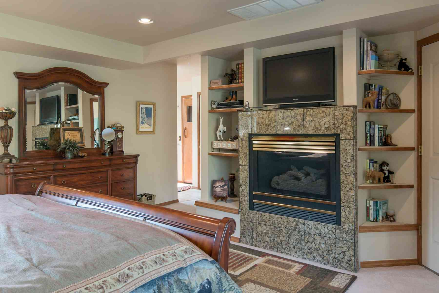 Additional photo for property listing at Basking In Sunshine and Views 311 Juniper Road Sun Valley, Idaho 83353 Estados Unidos