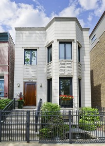 Single Family Home for Sale at Pristine Bucktown Home 1942 N Honore Street Logan Square, Chicago, Illinois 60622 United States