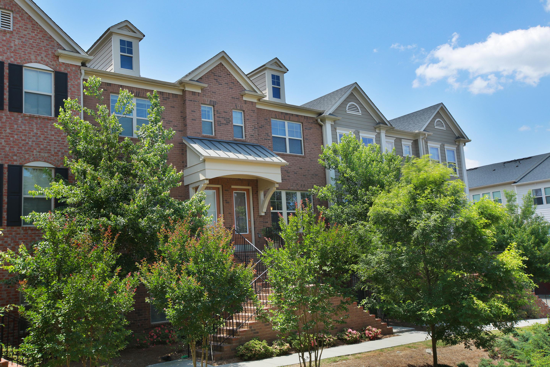 多棟聯建住宅 為 出售 在 Upscale Townhome Close to Emory and Virginia Highlands 2634 Portbury Place Atlanta, 喬治亞州, 30329 美國
