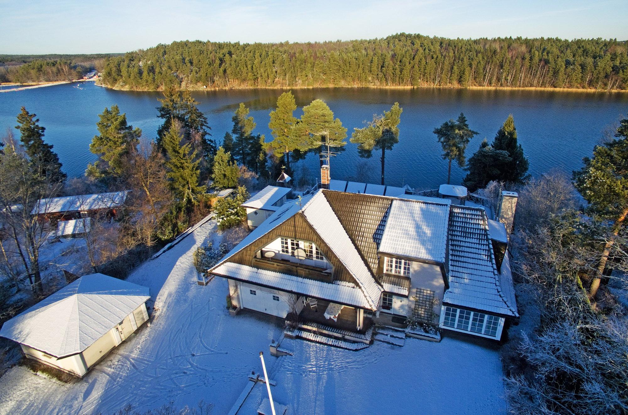 단독 가정 주택 용 매매 에 Beautifully seaside location, yet near the city Karlsuddsvägen 49 Vaxholm, Stockholm, 18593 스웨덴