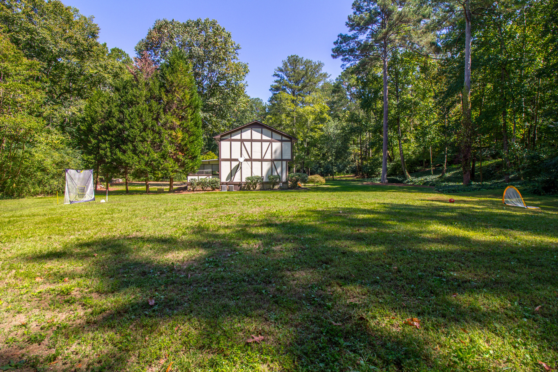 Additional photo for property listing at Incredible Home And Property 135 N Mill Road Sandy Springs, Georgië 30328 Verenigde Staten