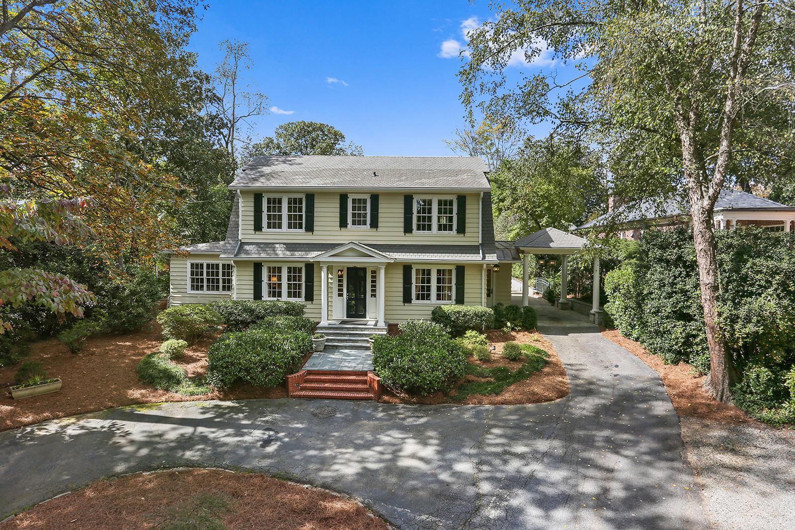 단독 가정 주택 용 매매 에 Exquisite Renovated Buckhead Home 2592 Habersham Road NW Atlanta, 조지아 30305 미국
