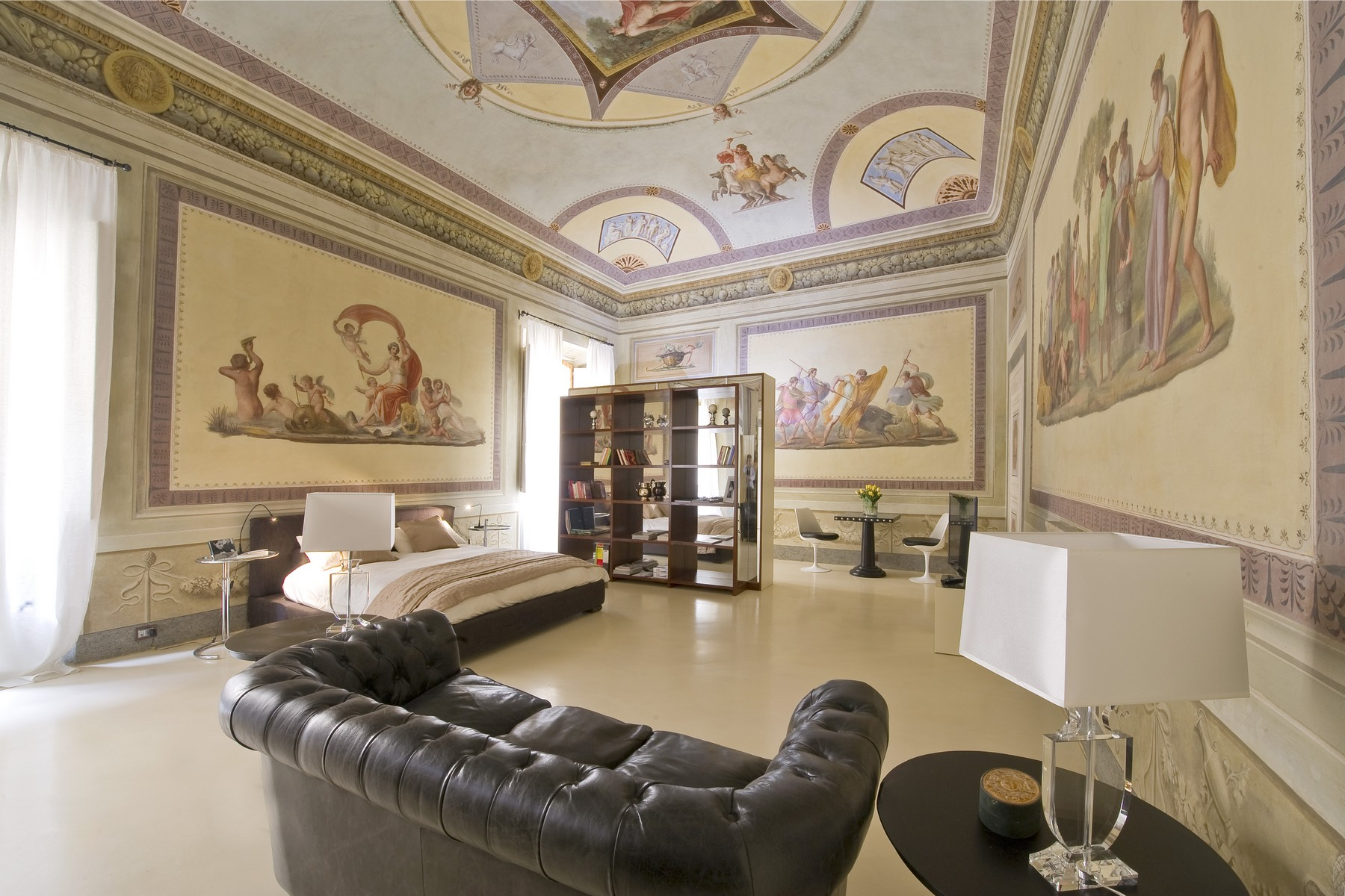 Additional photo for property listing at Historic Opera Apartment in the heart of Florence Via de' Benci Firenze, Florence 50122 Italy