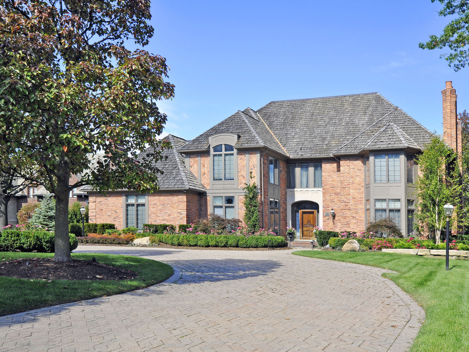 Casa Unifamiliar por un Venta en Grosse Pointe Shores 36 Oxford Road Grosse Pointe Shores, Michigan 48236 Estados Unidos