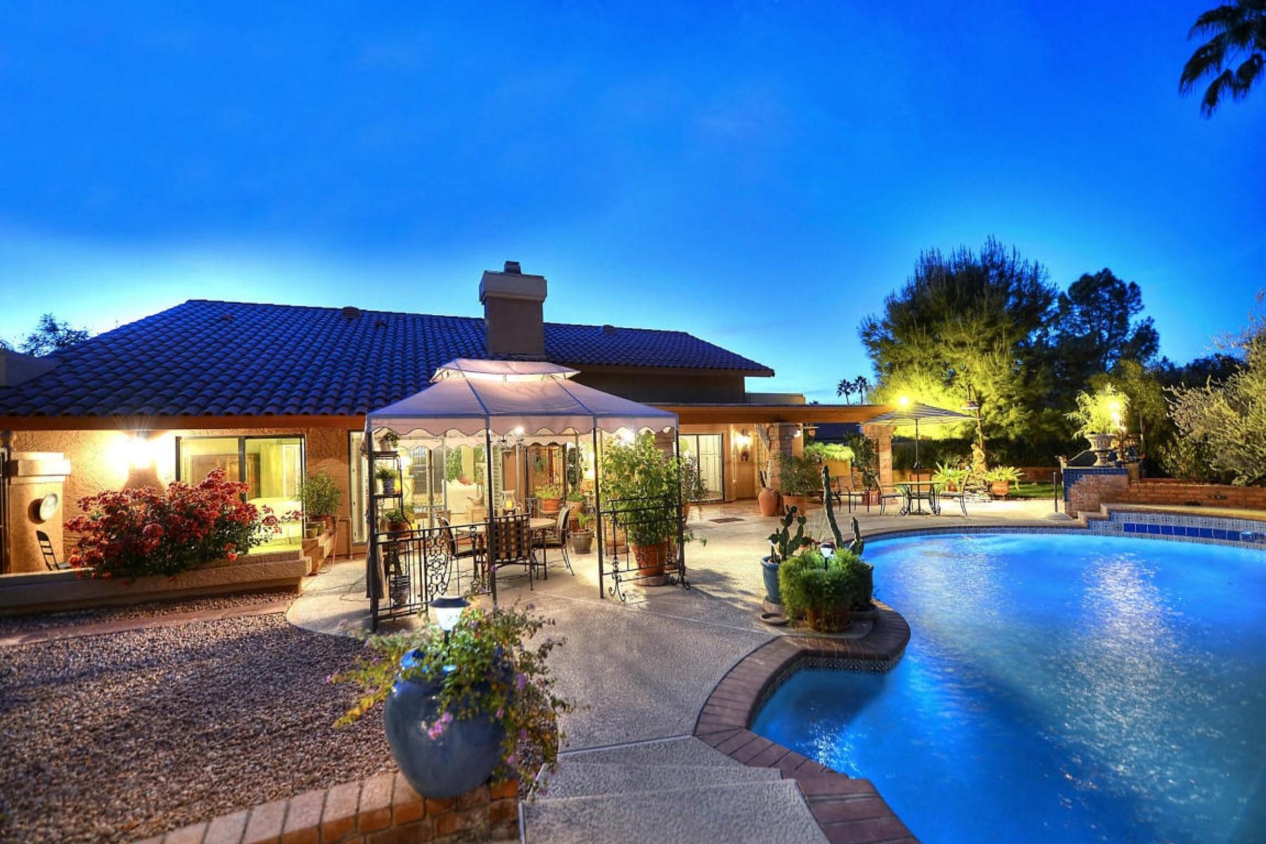 단독 가정 주택 용 매매 에 Beautiful home is full of soul and enchants the senses 9135 N 106TH PL Scottsdale, 아리조나 85258 미국