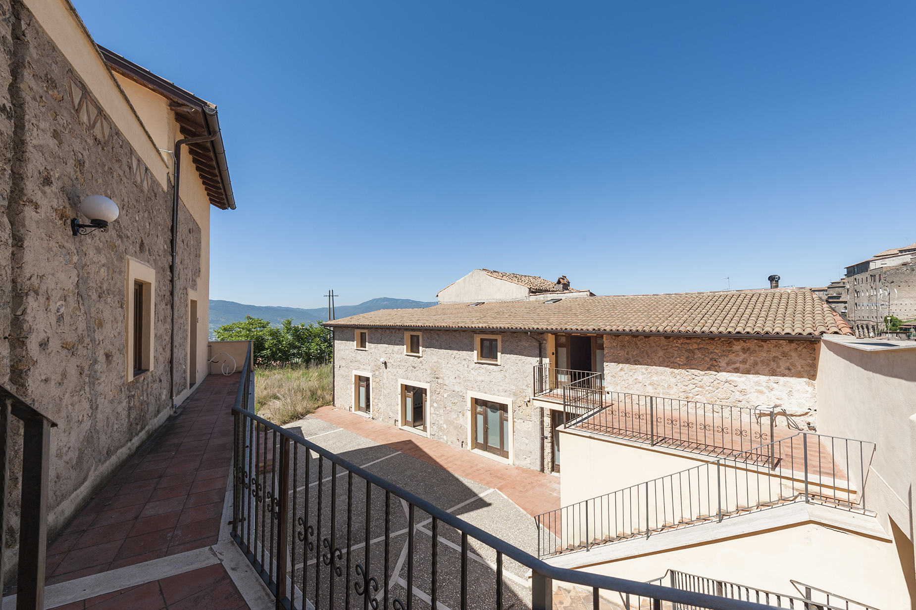 Additional photo for property listing at Residential complex in medieval city near Rome, Anagni Anagni, Frosinone Italia