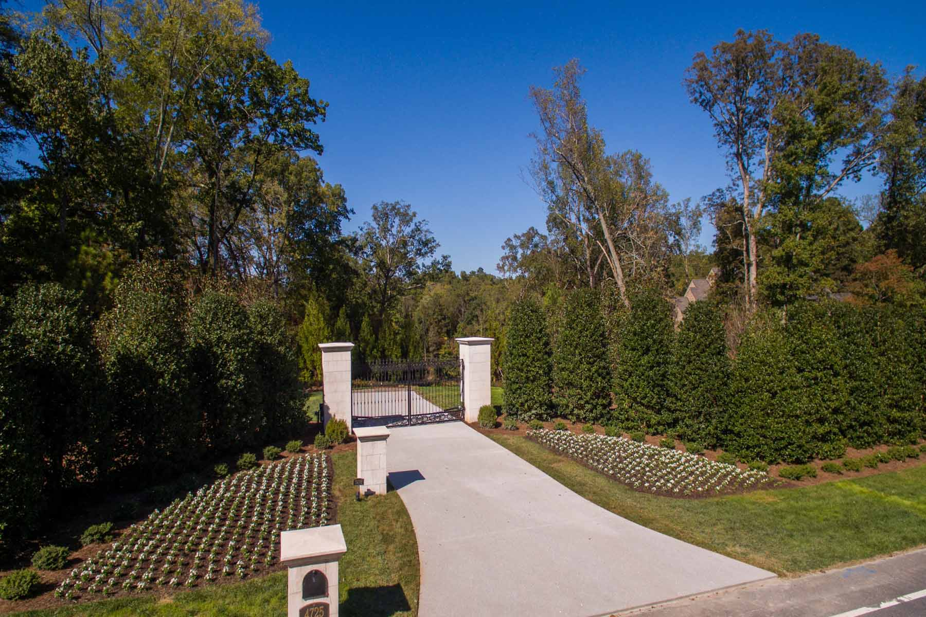 地產 為 出售 在 Premier 6+ Acre Estate Lot, Developed And Ready For A Magnificent New Home! 4725 Northside Drive North Buckhead, Atlanta, 喬治亞州, 30327 美國