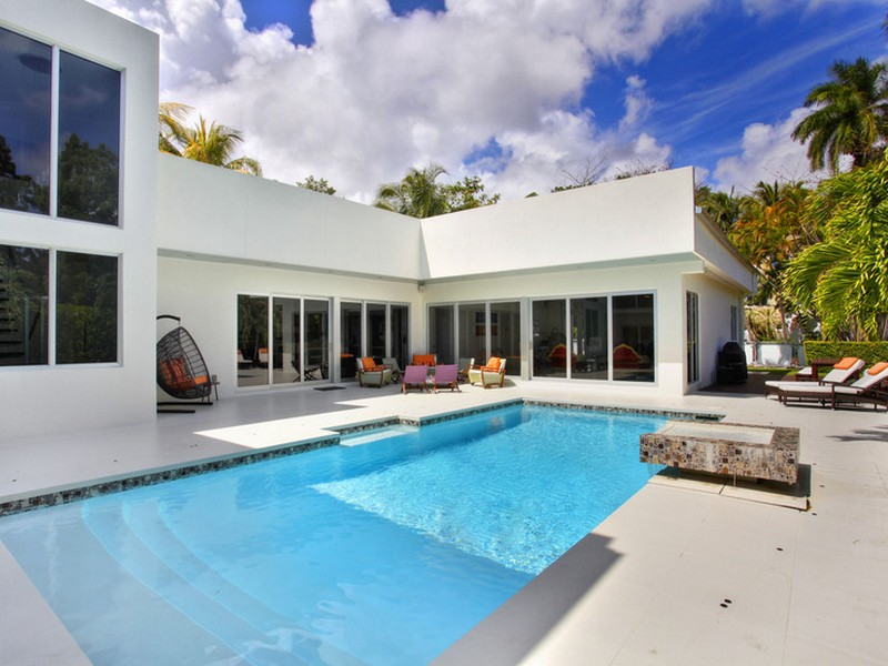 Casa para uma família para Venda às 3690 Stewart Av. Coconut Grove, Florida 33133 Estados Unidos