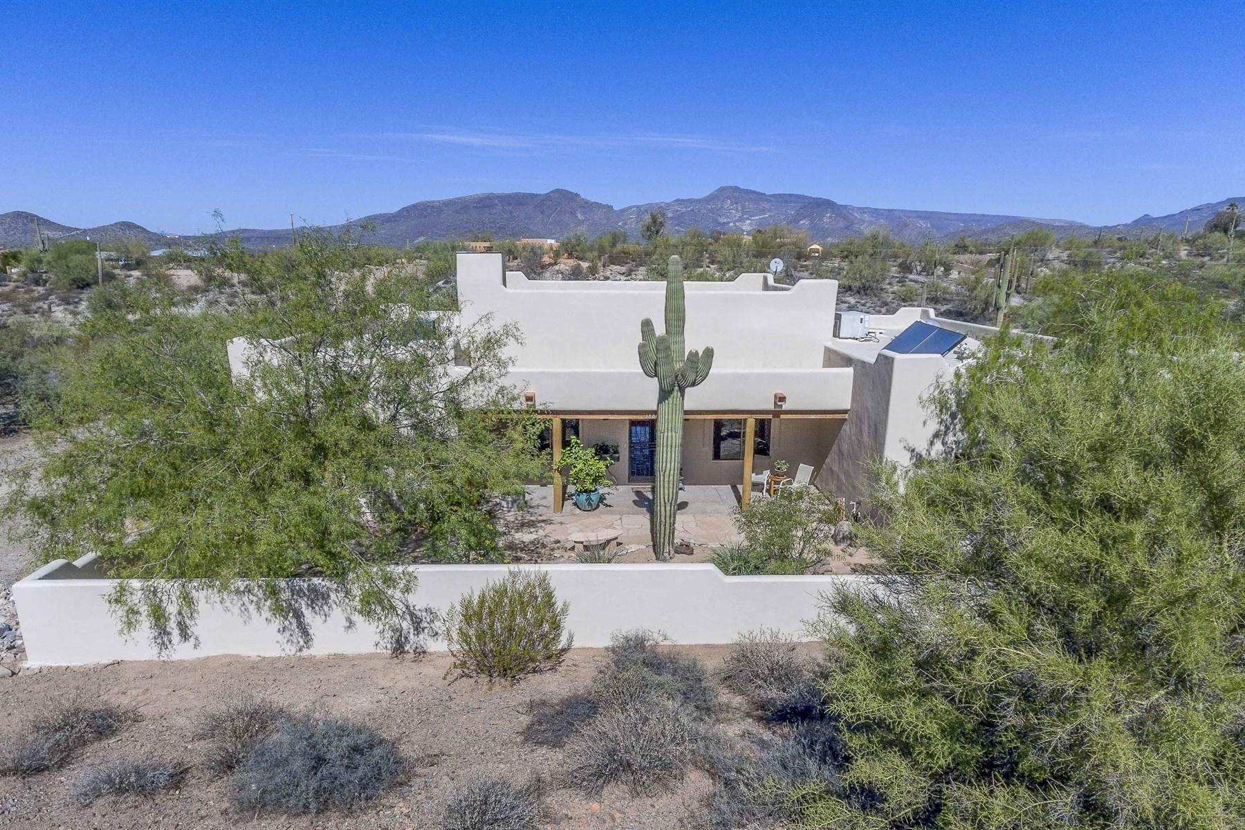 Villa per Vendita alle ore Charming territorial style home with privacy 38860 N Schoolhouse RD N Cave Creek, Arizona, 85331 Stati Uniti
