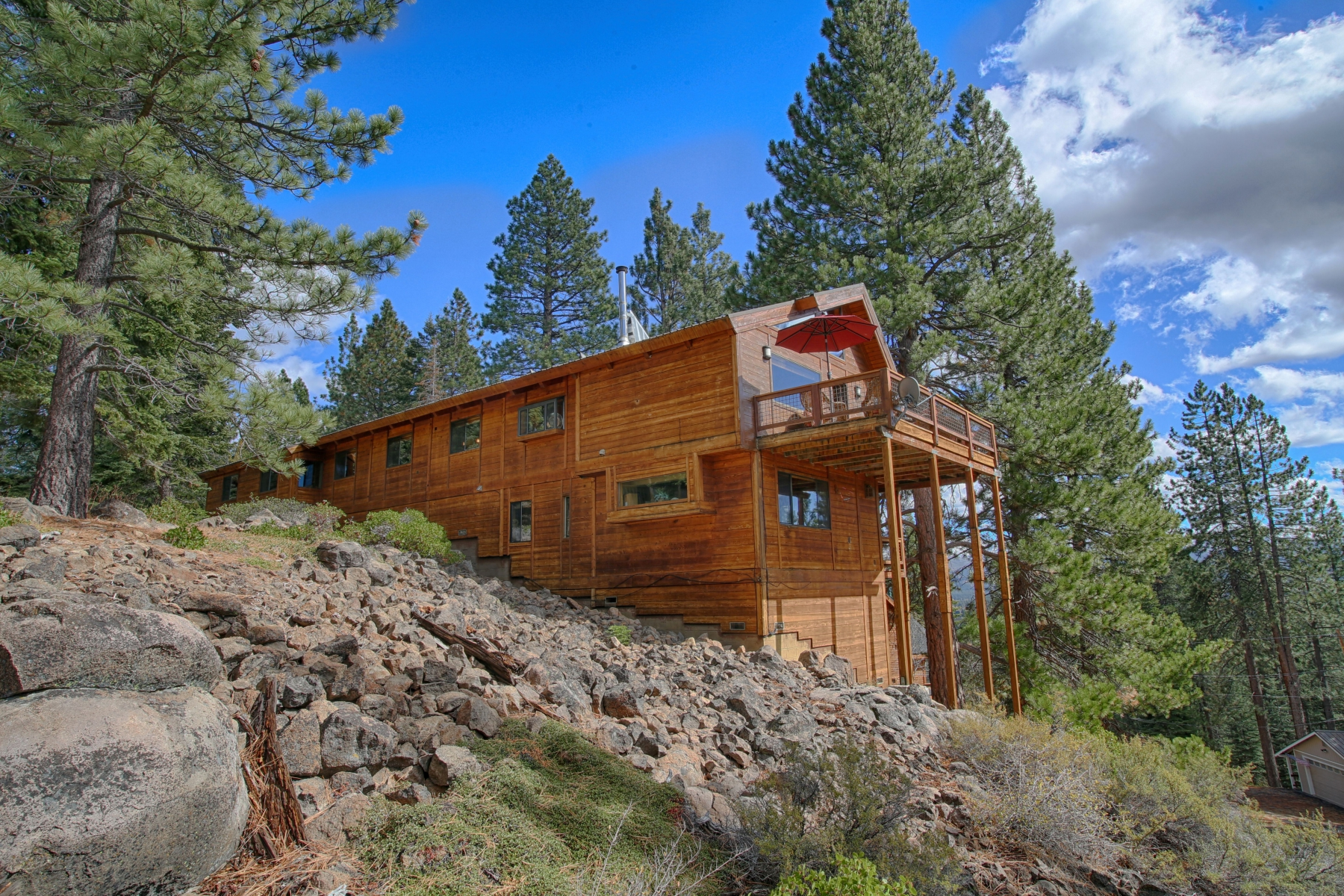 Single Family Home for Active at 12144 Nuthatch Ct. Truckee, California 96161 United States
