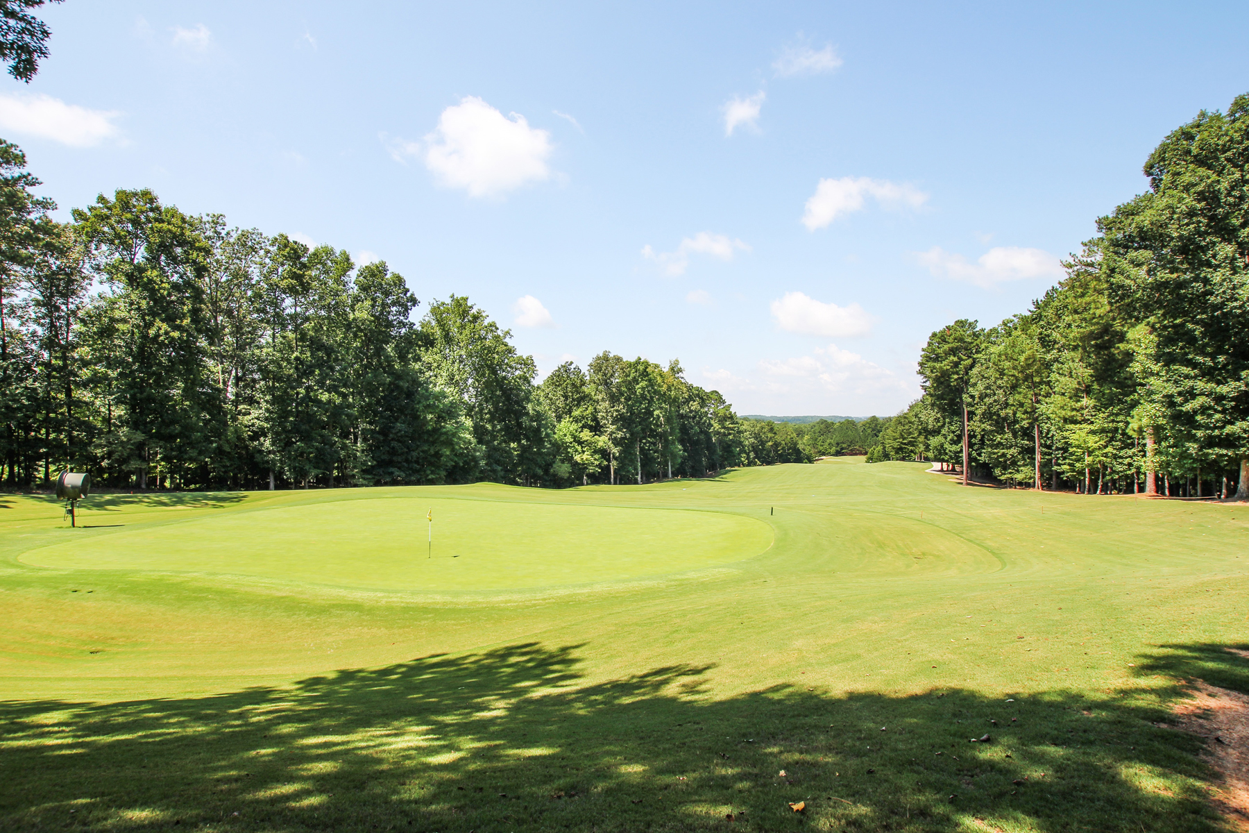 Additional photo for property listing at Country Club Golf Living At Its Finest 6309 Howell Cobb Court NW Acworth, Georgia 30101 Stati Uniti