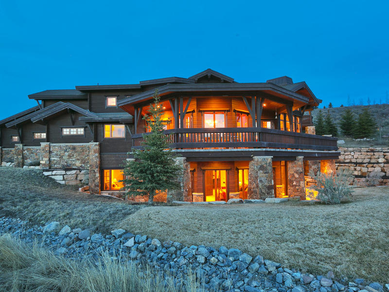 Maison unifamiliale pour l Vente à Amazing Home on Golf Course with Park City, Deer Valley, and Sunset Vi 7301 N Sage Meadow Rd Park City, Utah 84098 États-Unis