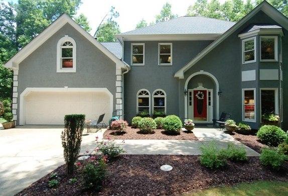 Casa para uma família para Venda às Private Retreat On 6.5 Acres 4639 Waters Road Woodstock, Geórgia 30188 Estados Unidos