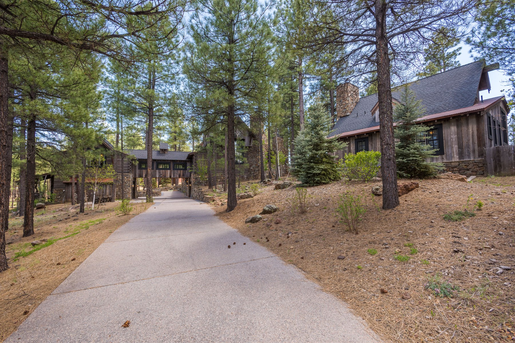 Single Family Home for Sale at By architect Allen F.Tofoya this is a one of kind log masterpiece 1526 Andrew Douglass Flagstaff, Arizona 86005 United States