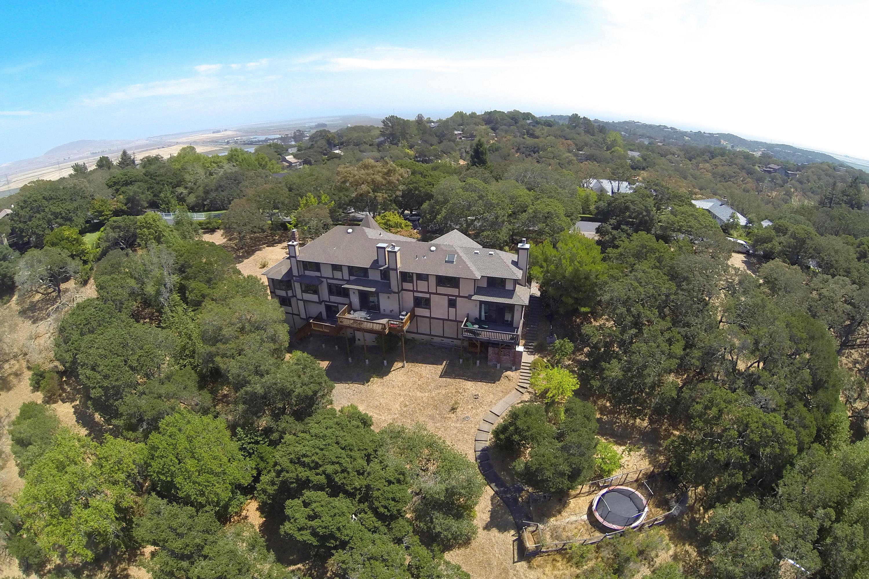 단독 가정 주택 용 매매 에 Grand Country Estate 10 Lockton Lane Novato, 캘리포니아 94945 미국