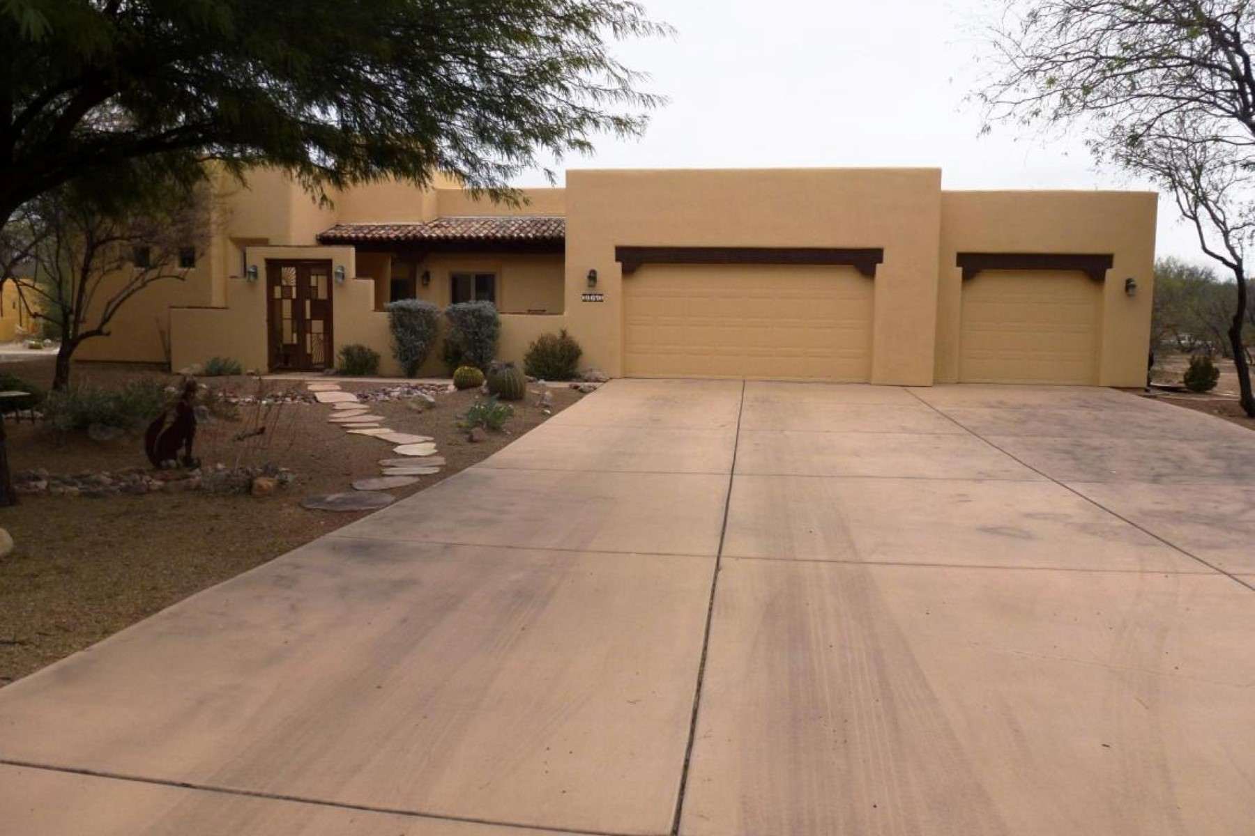 Single Family Home for Sale at Beautiful Dorn Hacienda on a rare lot 2163 Corte Bautista Tubac, Arizona, 85646 United States