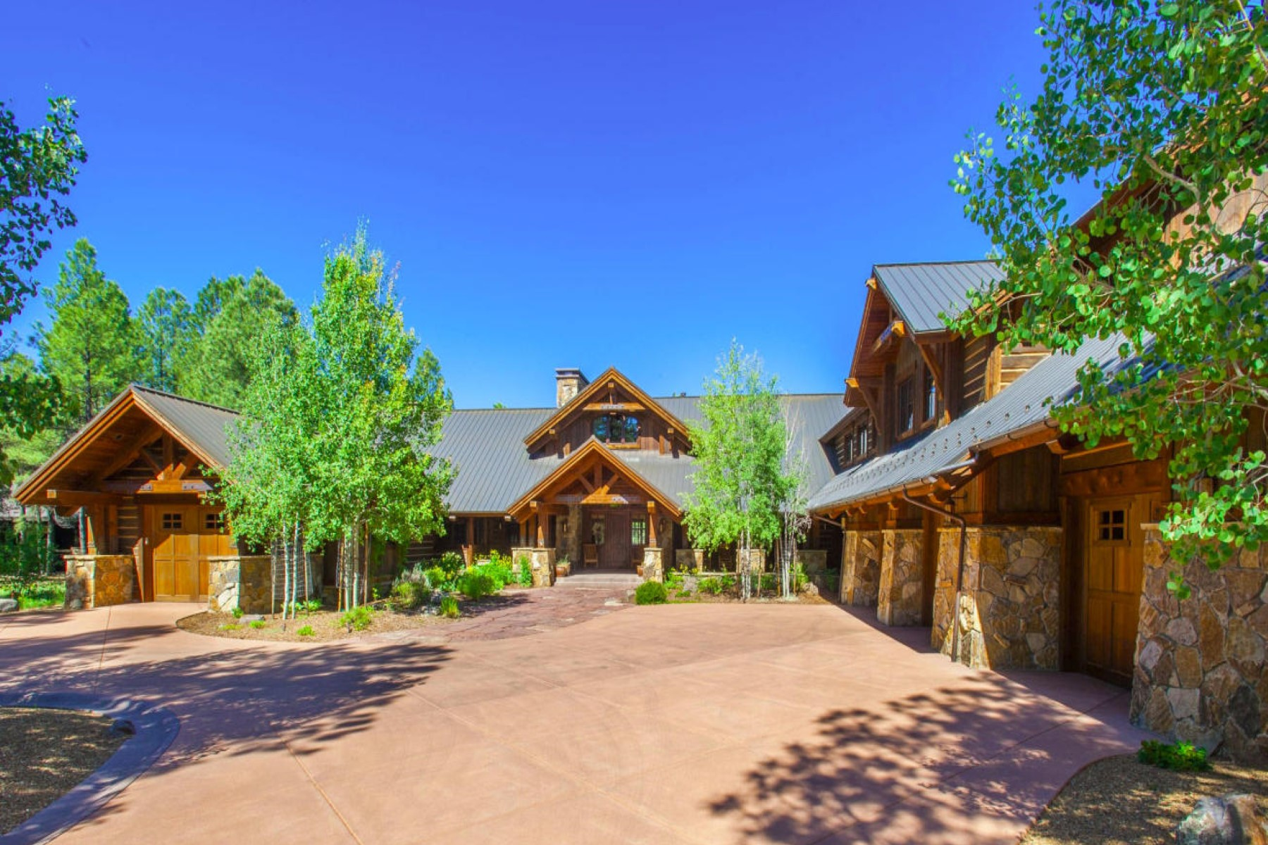 Single Family Home for Sale at Superior Elegance Defined in this Masterful Art of Construction. 2819 Fred Breen Flagstaff, Arizona 86005 United States