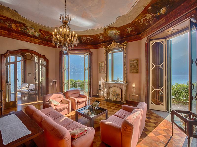 Additional photo for property listing at Splendid villa with wharf on Lake Como Via Regina Carate Urio, Como 22010 Italy