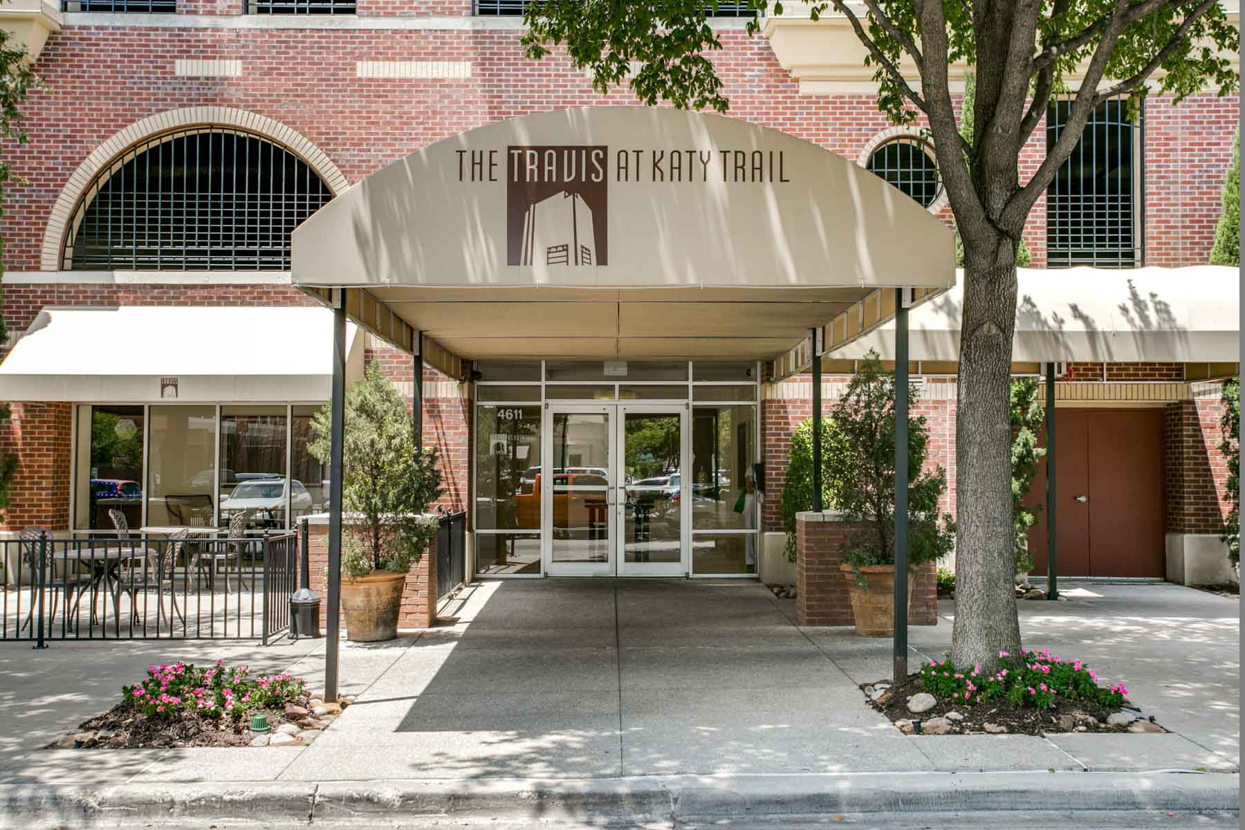 Condominium for Sale at Wonderful Soft Contemporary Condo 4611 Travis Street #1403B Dallas, Texas, 75205 United States