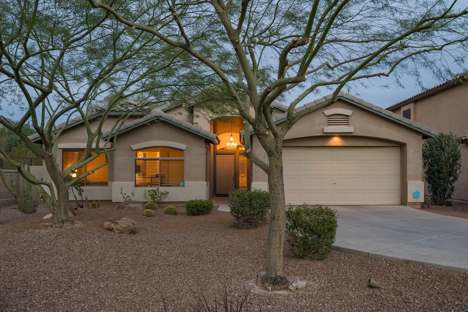 Частный односемейный дом для того Продажа на Immaculate Gated cul-de-sac Scottsdale home 16283 N 99th Way Scottsdale, Аризона, 85260 Соединенные Штаты