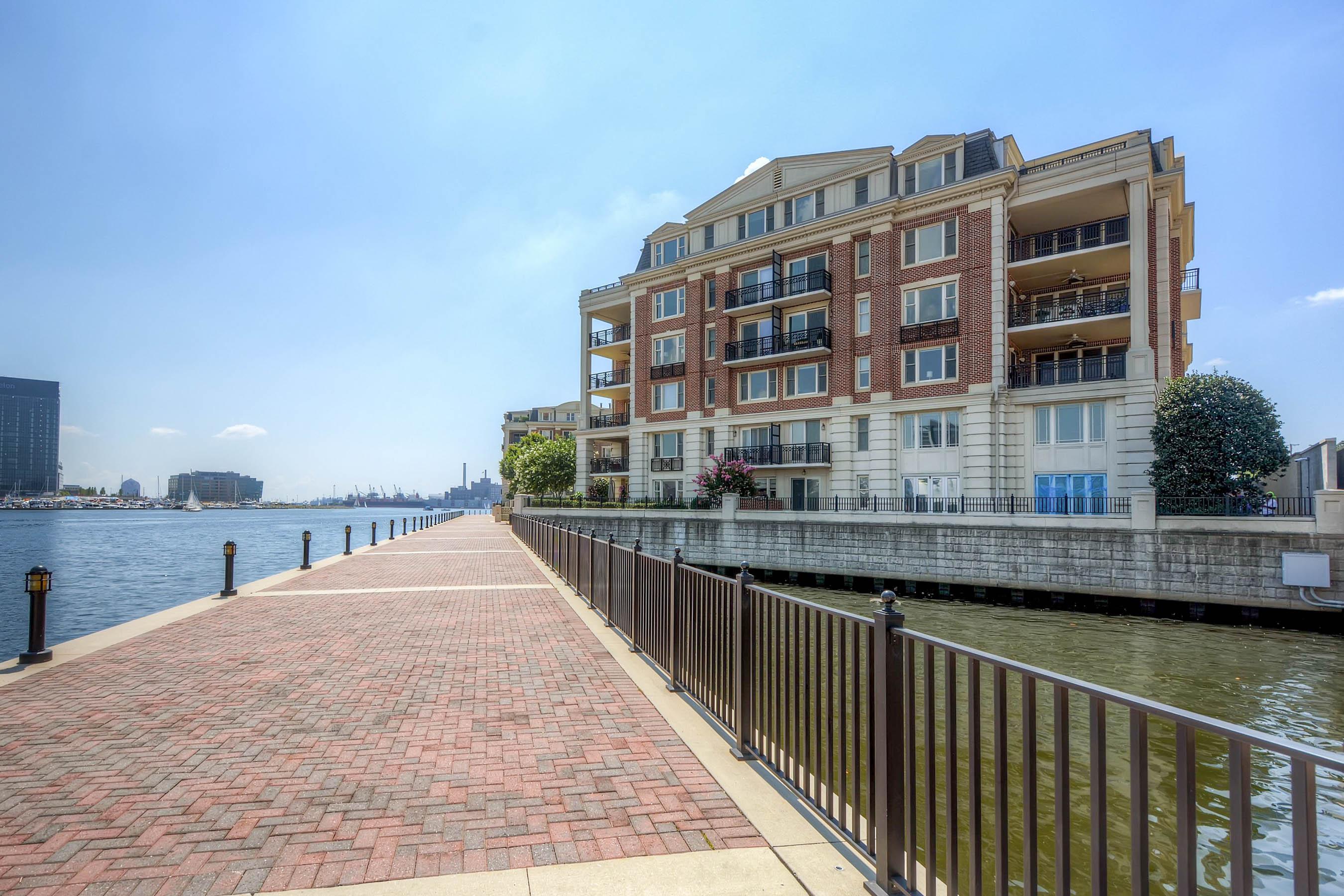 Condomínio para Venda às The Ritz-Carlton Residences 801 Key Highway #210 Baltimore, Maryland, 21230 Estados Unidos