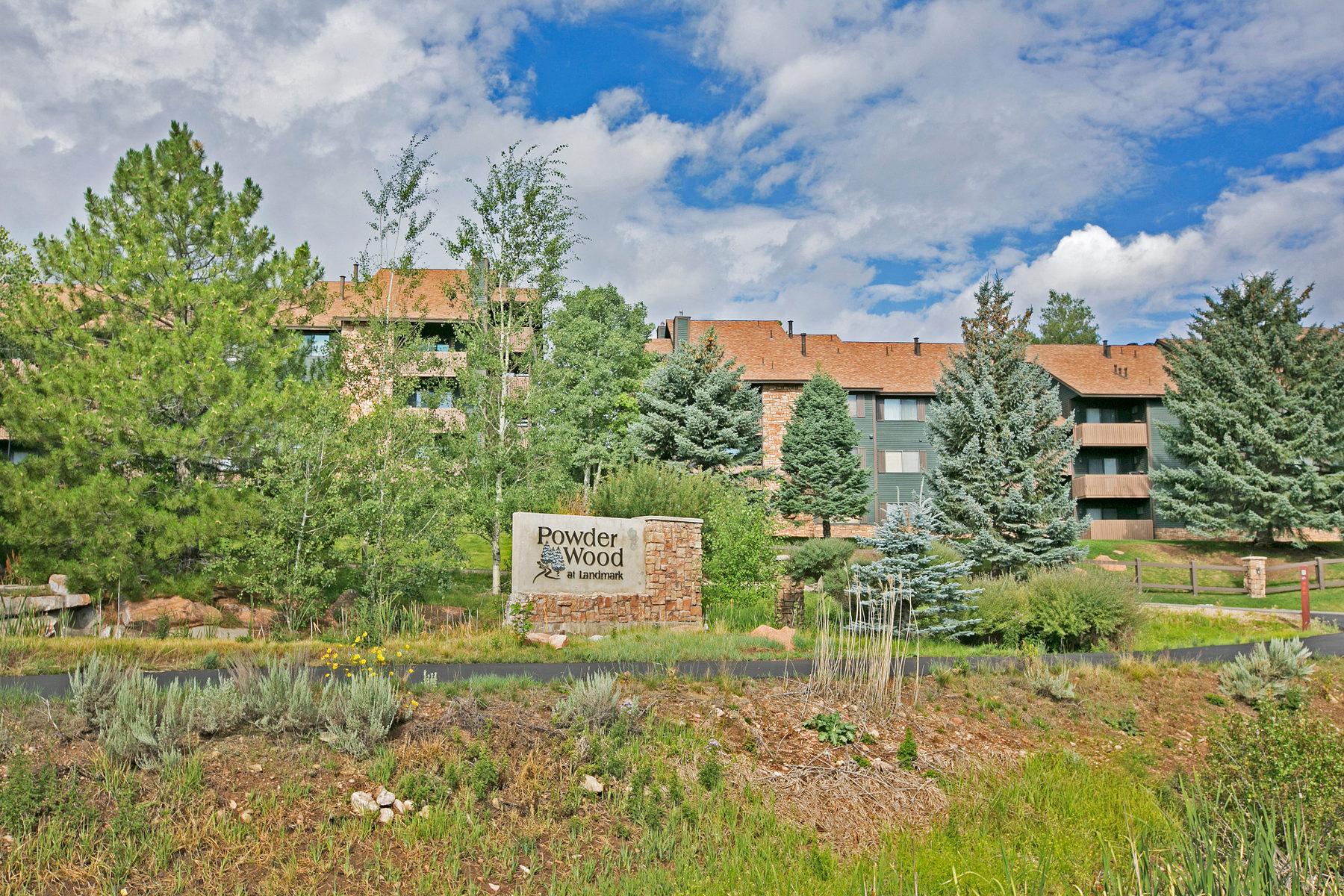 Condominio per Vendita alle ore Two Bedroom Plat at a Great Price 7035 North 2200 West #3-S Park City, Utah 84098 Stati Uniti