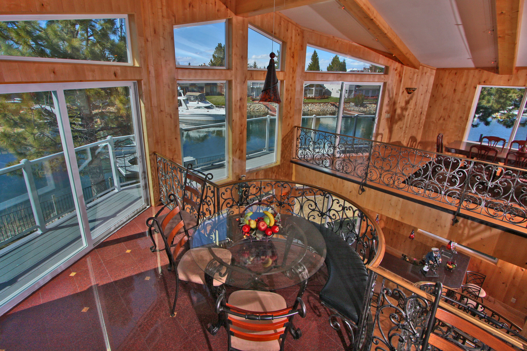 Additional photo for property listing at 2025 Marconi Way  South Lake Tahoe, California 96150 United States