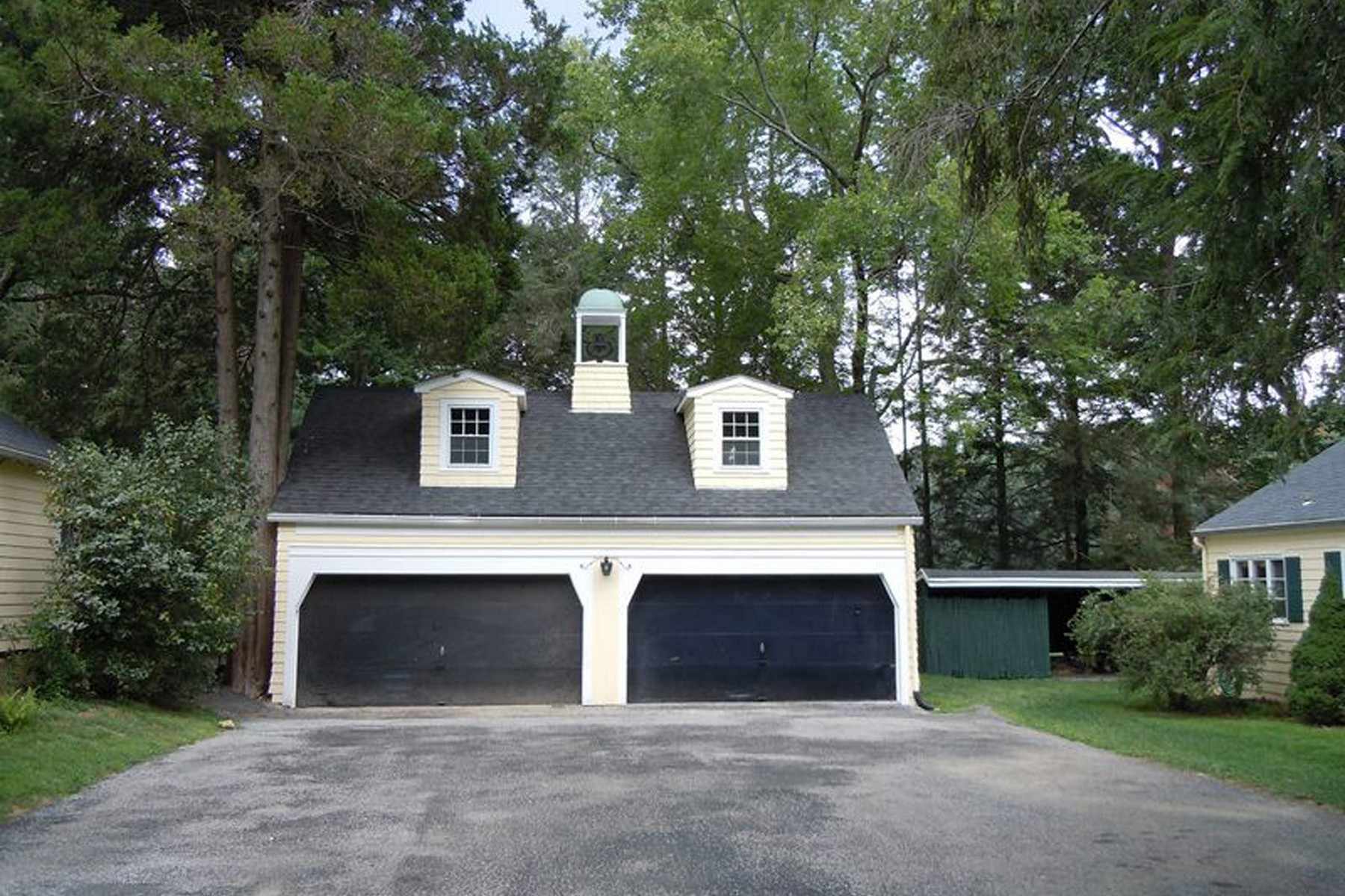 rentals property at Carriage House Rental