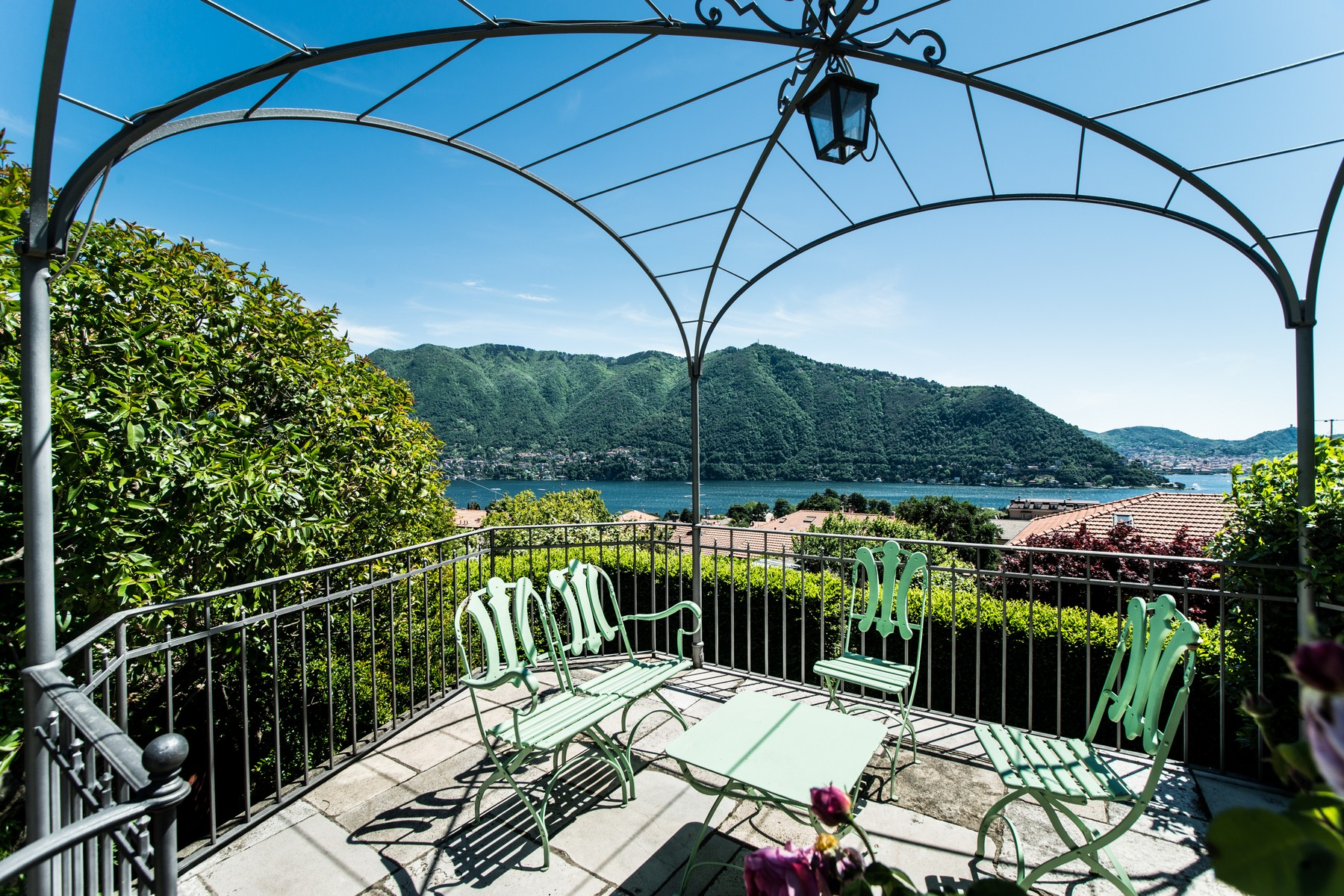 Single Family Home for Sale at Gorgeous villa with dependance overlooking Lake Como Via Vittorio Veneto Cernobbio, Como 22012 Italy