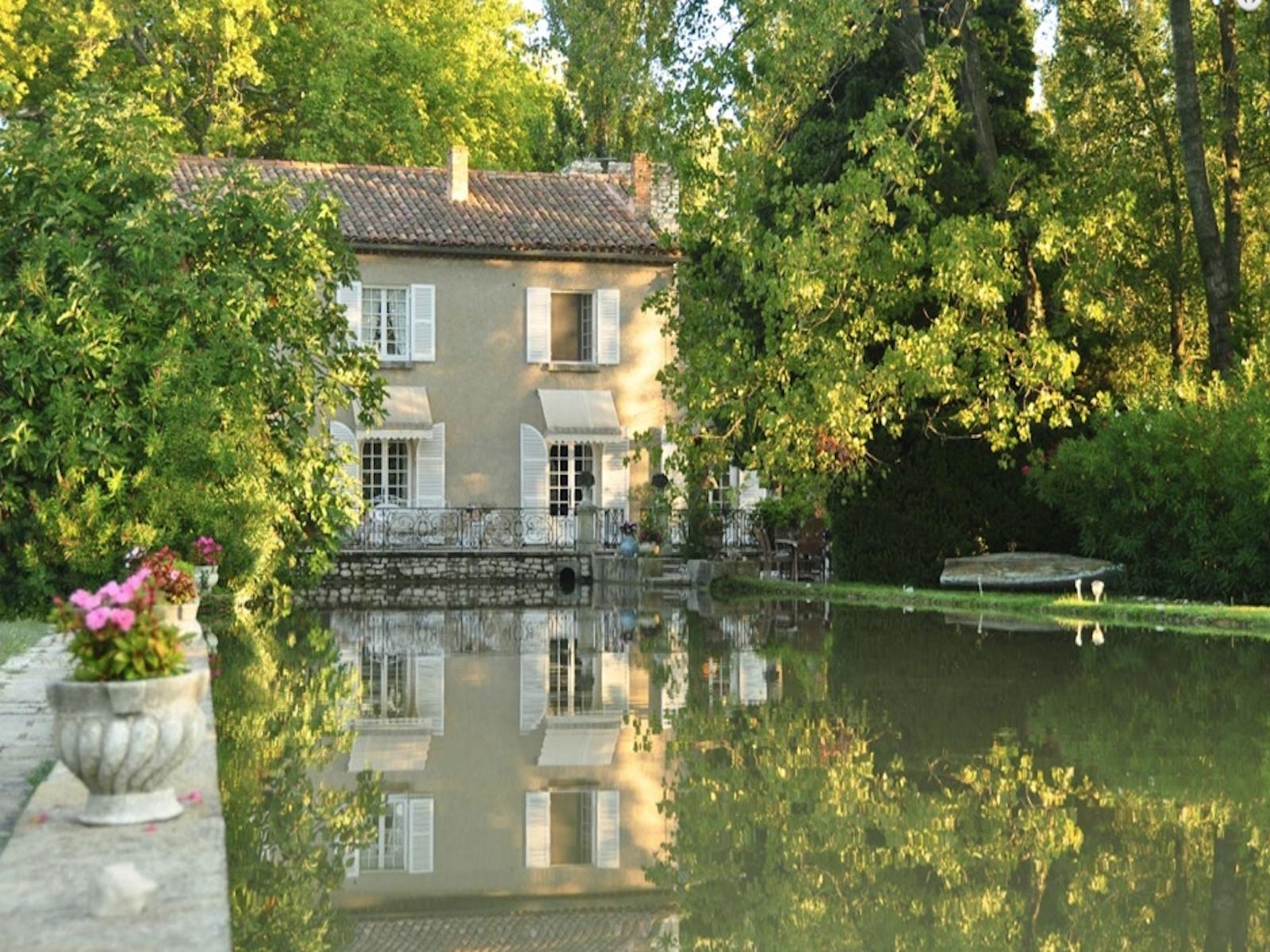 Casa Unifamiliar por un Venta en UZES LUXUEUSE PROPRIÉTÉ DANS UN CADRE ENCHANTEUR Uzes, Languedoc-Rosellón 30700 Francia
