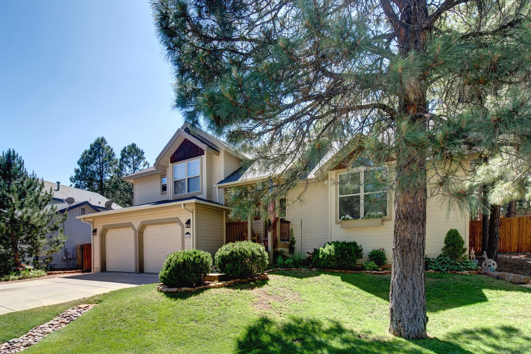Single Family Home for Sale at Beautiful huge half acre lot in Walnut Canyon 6080 E Abineau Canyon Dr Flagstaff, Arizona, 86004 United States